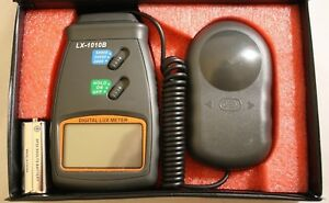 Student Digital Lux Meter W carrying Case