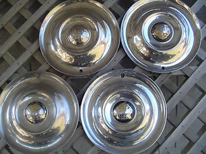 50 53 Oldsmobile Custom Cruiser Jetstar Starfire Rocket Holiday Fastback Hubcaps