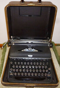 Antique Black Royal Manual Portable Typewriter Original Case Working Condition