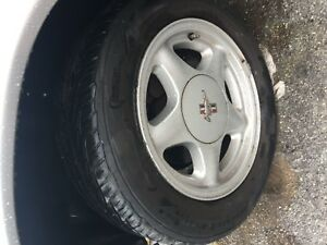 16 Ford Mustang Pony Rims And Center Caps With Tires