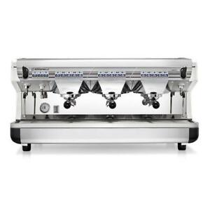 Simonelli Appia Ii Volumetric 3 Group Espresso Machine White 220v 5000w
