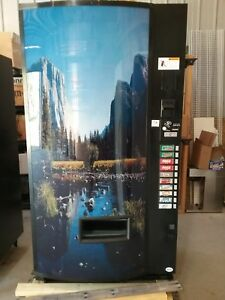 Like New Only 5 Yrs Old Vendo 721 10 Select Soda Machine