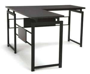 Office Furniture Essential Series Modern Design L shaped Desk With Metal Leg