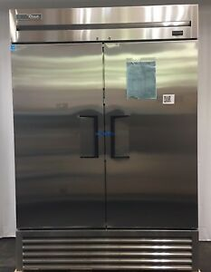 scratch Dent True T 49 hc 54 Two Section Solid Door Reach In Cooler 483