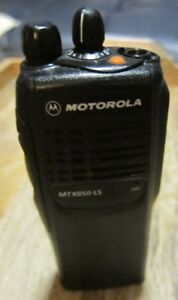 Motorola Mtx850 ls 800 Mhz Two way Portable Radio Model Aah25ucc6du3an