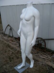 Used Mannequin Full Body Women Magnetic Arms W Metal Base Fusion Specialties