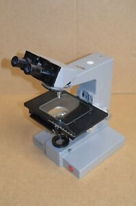 Leitz Dialux Microscope Body Stand With Stage Turret Binocular Head