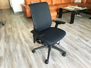 Steelcase Think Office Chair Adjustable Black Base frame 6205 Buzz2 Black