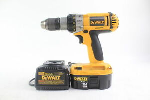 Dewalt 18 v Xrp Cordless 1 2 In Hammer Drill driver Dc987 Battery charger Incl