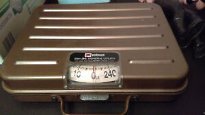 Vintage Heavy Duty Pelouze P250 Utility Shipping Scale Postage Weight Device