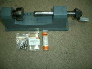 Lyman Universal Manual Rotor Case Trimmer W Pilots and Extra Cutting Heads