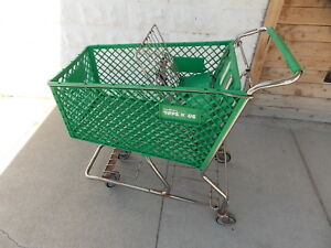 Toys R Us Green Geoffrey Giraffe Plastic Retail Store Shopping Cart Very Rare