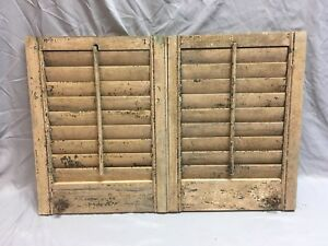 Small Pair Antique House Window Wood Louvered Shutters 20x15 Shabby Vtg 366 18e