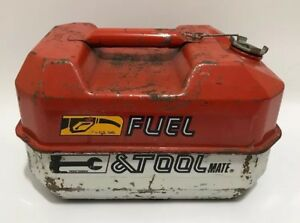 Blitz Fuel Tool Mate Tool Box Gas Can Metal 1 1 2 Gallon 84 Usmc Storage Vtg