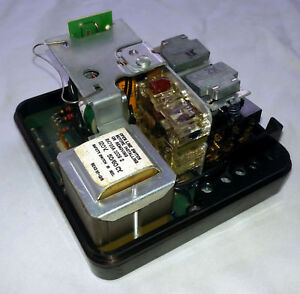 Honeywell R4795a 1008 Flame Burner Control Can Use In Place Of R4795 A 1016