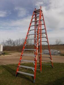 Werner E7414 14 Ft Fiberglass 300 Lb Trestle Step Extension Ladder A frame