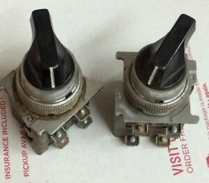 Cutler Hammer Selector Switch 2 Position W 2 Contact Blocks