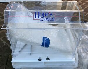 New Hope s Cookies Plastic Display Case W Cover tray Tongs 2 Doors 2 Shelves
