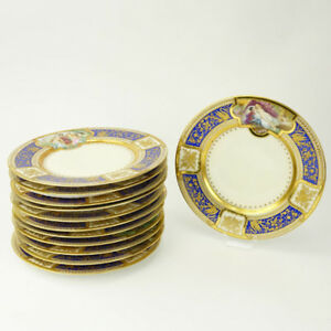 Twelve 12 Fine Hutschenreuther Early 20th Century Hand Painted Cabinet Plates