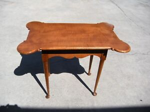 High Quality Solid Tiger Maple Queen Anne Styled Tea Table On Pad Feet