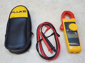Great Condition Fluke Model 323 True Rms Digital Clamp Meter With Leads And Case