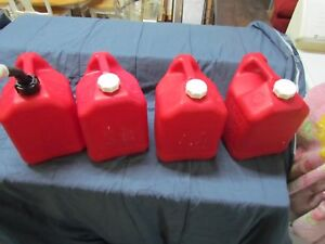 Blitz Gas Can Lot Of 4 Two Gallon 8 Ounce