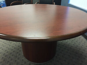 54 Round Executive Conference Table With 4 Matching Chairs cherry Wood Office