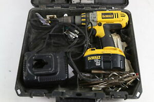 Dewalt Dc925 18 volt Cordless Hammerdrill drill driver With Case battery charger
