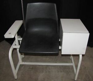 Winco Vitals Blood Draw Exam Doctors Chair 2571