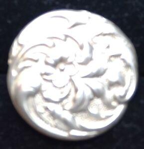 Sterling Slvr Art Nouveau Button 1902 Birmingham Assay Hallmarks Floral Repousse