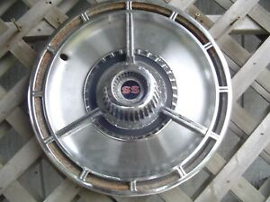 One Single 1964 64 Chevrolet Chevy Impala Chevelle Ss Hubcap Wheel Cover Antique