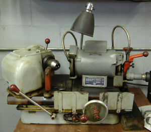 Sioux 680 Valve Grinding Machine Kit For Grinding Valves And Seats Used