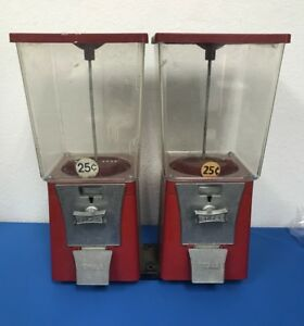 Lot Of 2 Eagle 25 Cent Gumball Toy Vending Machine Keys Not Included 1s