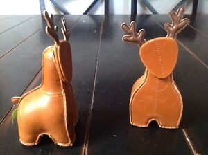 Two Zuny Miyo The Reindeer Paperweight Memo Clip Bookends Removable Head Brown
