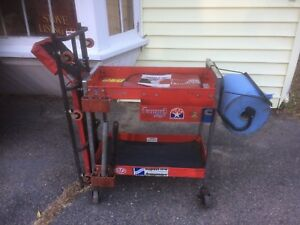 Snap on Service Cart And Creeper