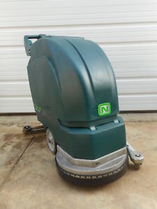 17 Nobles Floor Scrubber Cleaner Machine 1701 W batteries Charger