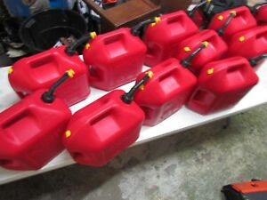 Blitz 5 Gallon Gas Can Vented With Yellow Cap 10 Each