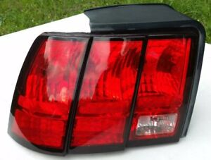 Ford Mustang Left Side Tail Light Lh Complete W Wiring And Sockets 1999 2004