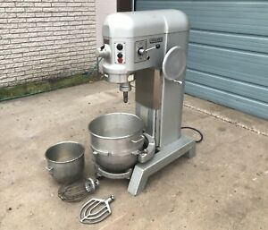Hobart 60qt Mixer H600t 3 Phase W Bowls And Paddle