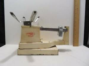 Vintage Triner Scales Off White Red Lettering Model 89 Capacity 1 Lb