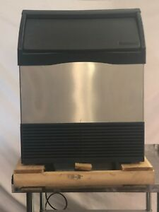 open Box Scotsman Cu1526sa 1 Undercounter Ice Maker W Bin Air Cooled 150 Lbs