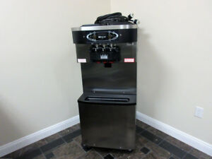 Taylor C713 33 Soft Serve Twin Twist Frozen Yogurt Ice Cream Machine Year 2013