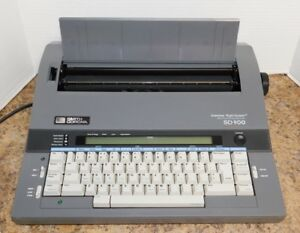 Smith Corona Sd900 Electronic Daisy Wheel Typewriter Word Processor