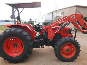 M9000 Kubota 4wd Tractor With Loader 92 Hp hydraulic Shuttle 370 Hours