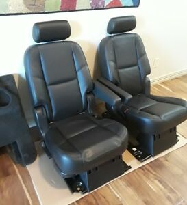 07 14 Escalade Second 2nd Middle Row Captain S Chairs Buckets Seats Headrests