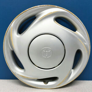 One 1998 2000 Toyota Corolla 61097 14 Hubcap Wheel Cover 42621ab010 Used