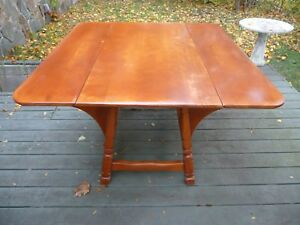 Vintage Mid Century Cushman Colonial Butterfly Drop Leaf Maple Kitchen Table