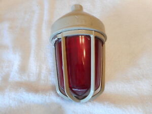 Crouse Hinds Explosion Proof Light Red Vda15