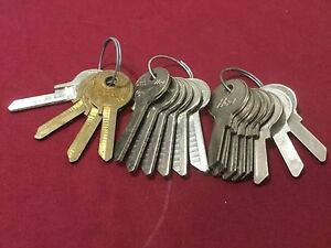 Ford By Curtis And Ilco 1125a D Key Blanks 1940s 60s Set Of 18 Locksmith