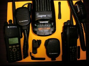 2x Motorola Xts2500 Model Iii Vhf Uhf With Impress Charger And Accessories Fpp